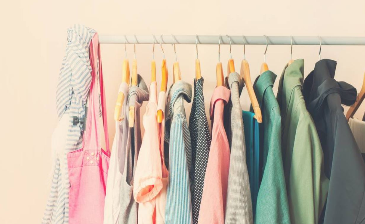 Best Way To Store Clothes In Storage Unit